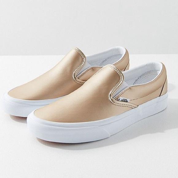 3ac4beec0f   nib   Vans Classic Slip-on Sneakers